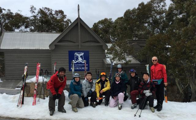 Group photo from Kent Lab ski trip
