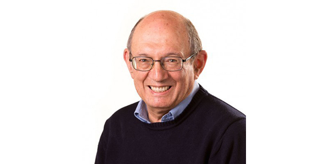 Photo of Professor Roy Robins-Browne