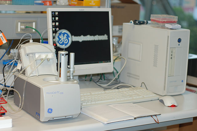 photo of isothermal titration colorimeter