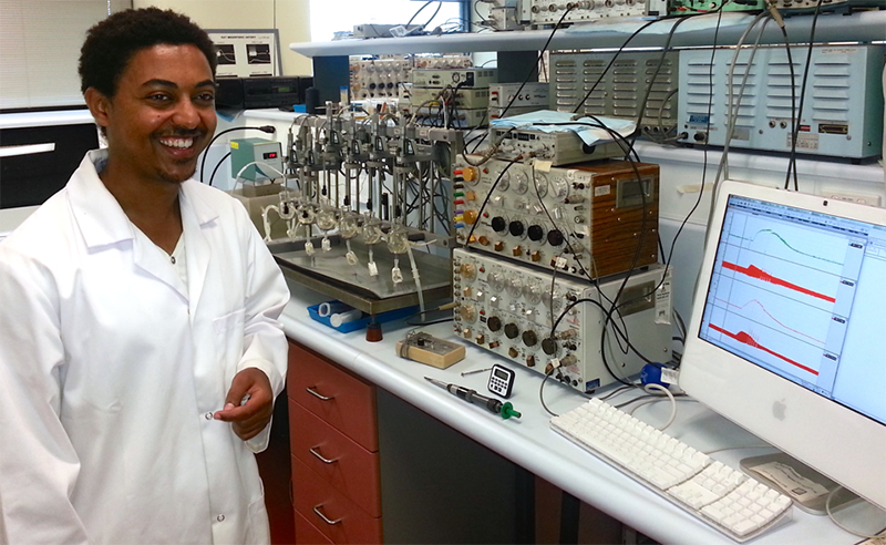 Ashenafi Betrie, PhD candidate, seen in the laboratory